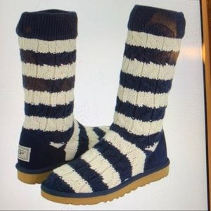 WINTER Is STILL HERE ❗️SALE ❗️UGG Knight Striped 7